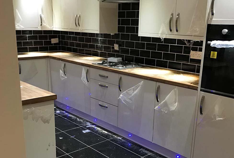 Kitchen fitting Oaken Telford